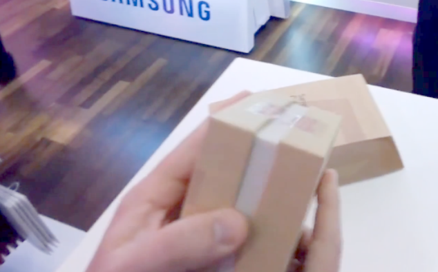 Galaxy-S5-unboxing