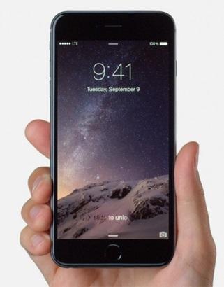 Samsung-Galaxy-S4-vs-Apple-iPhone-6-Plus-specifiche-tecniche-e-prezzi-a-confronto-1