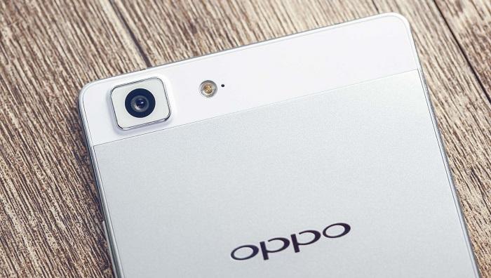 Oppo-R5-vs-HTC-Desire-820-specifiche-tecniche-e-differenze-a-confronto-2