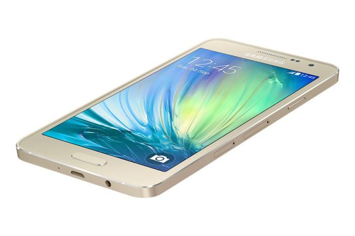 Samsung-Galaxy-A3-il-mid-range-in-metallo-anche-con-Tre-e-Vodafone-2