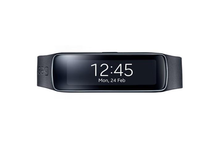 Samsung-Galaxy-Alpha-e-Gear-Fit-moda-e-sportività-si-incontrano-grazie-a-Tim-1