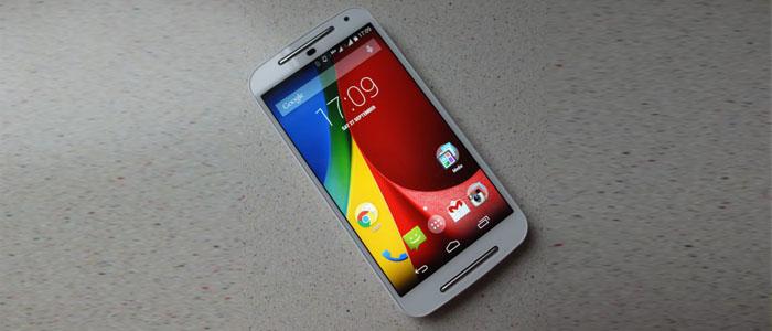 Motorola-Moto-G-2014-on-the-table