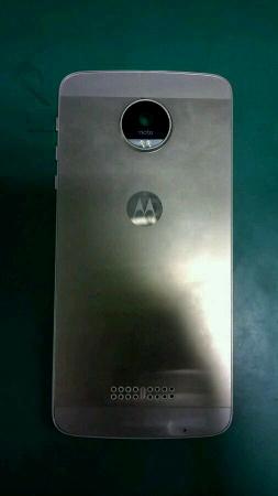 Motorola-Moto-X-2016-2