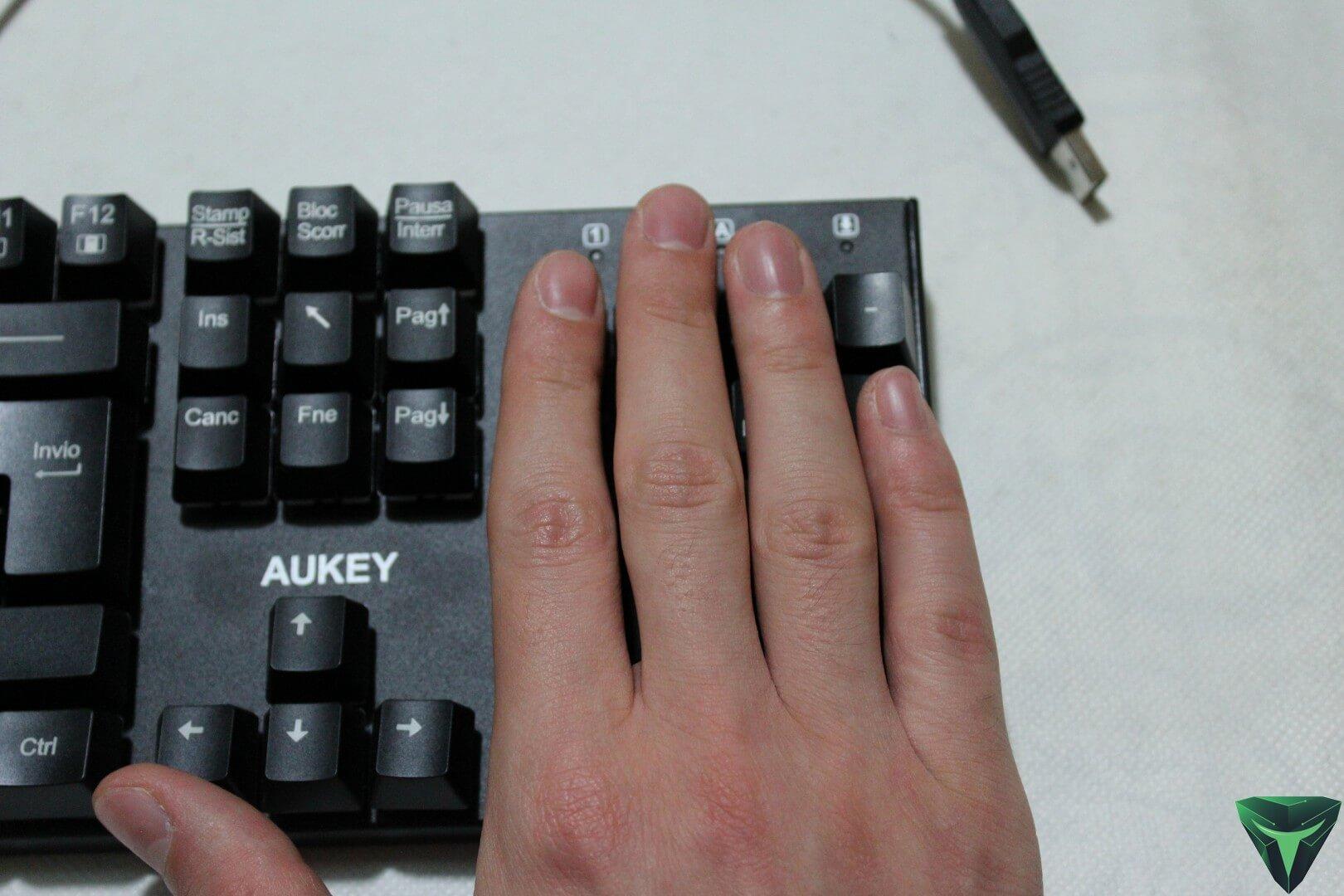 Aukey Tastiera meccanica KM-G8 recensione-