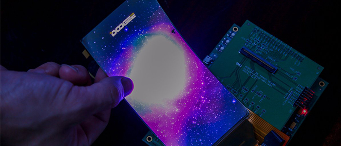 Doogee smartphone display curvo