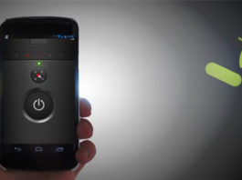 Come attivare torcia smartphone Android