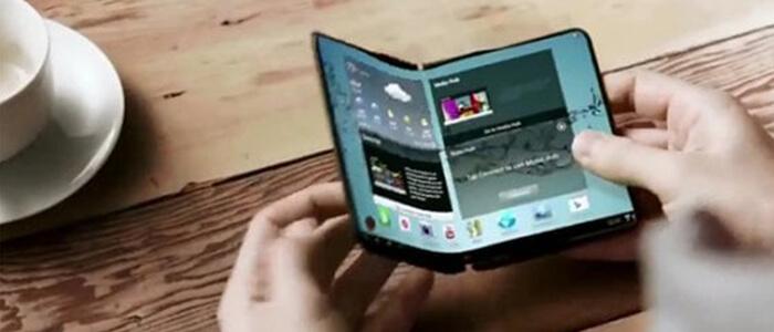 Samsung prototipo smartphone pieghevole foto live
