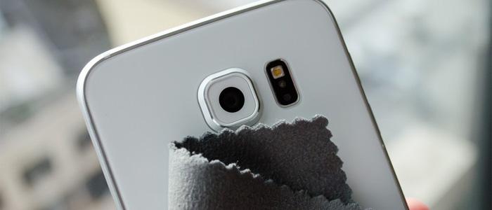 Pulire lenti smartphone